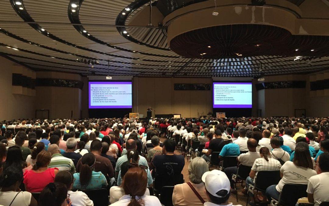 Más de mil ochocientas personas dijeron sí, al Encuentro de Pequeñas Comunidades